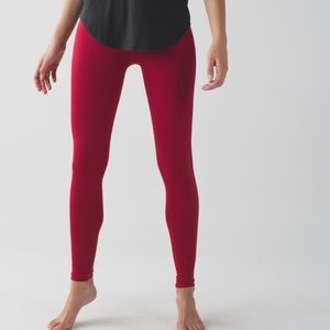 Lululemon   Zone In Tight Cranberry